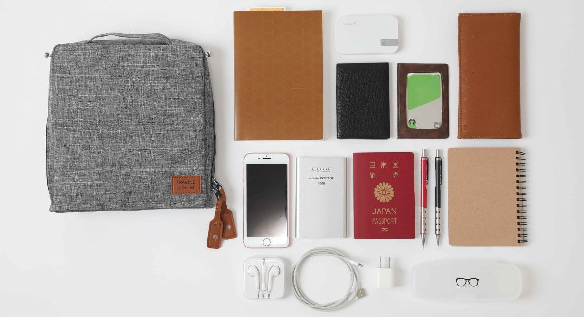 シートポケットに入るコンパクトさと収納力を兼ね備えたバッグ
